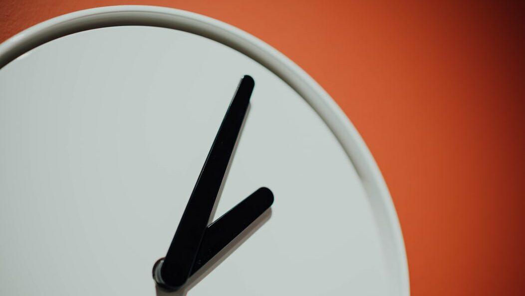 Stunden Minuten Zeiger Uhr Rätsel